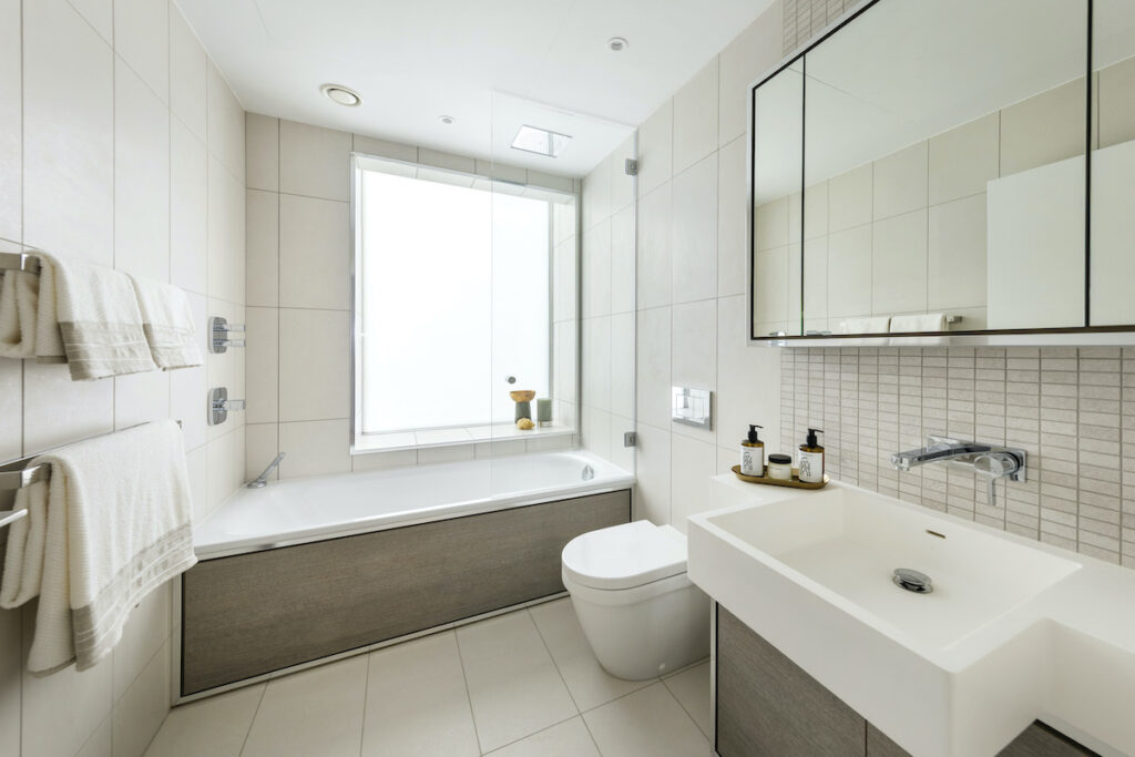 Bathroom at 8 Water Street, apartment 102 - Vertus | BTR News
