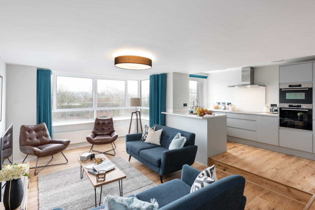 Kitchen / diner furniture - Roomservice by CORT | BTR News